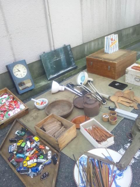 古道具市始まりました。
